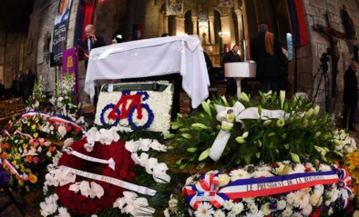 Fans en wielerwereld nemen afscheid van legende Raymond Poulidor tijdens begrafenis in Frankrijk