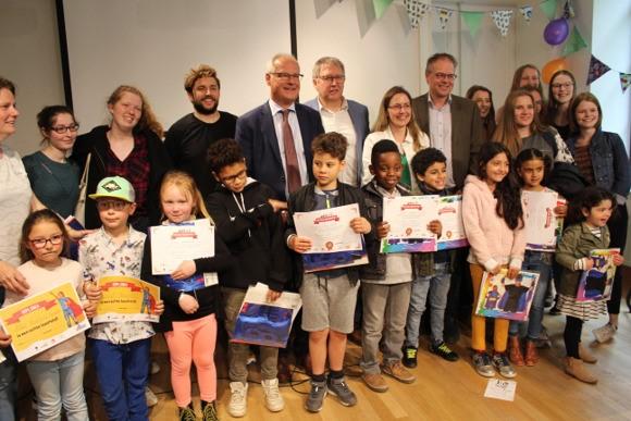 Bib Sint-Pieters-Leeuw krijgt 2.400 euro voor voorleesprojec... (Sint-Pieters-Leeuw) - Het Nieuwsblad