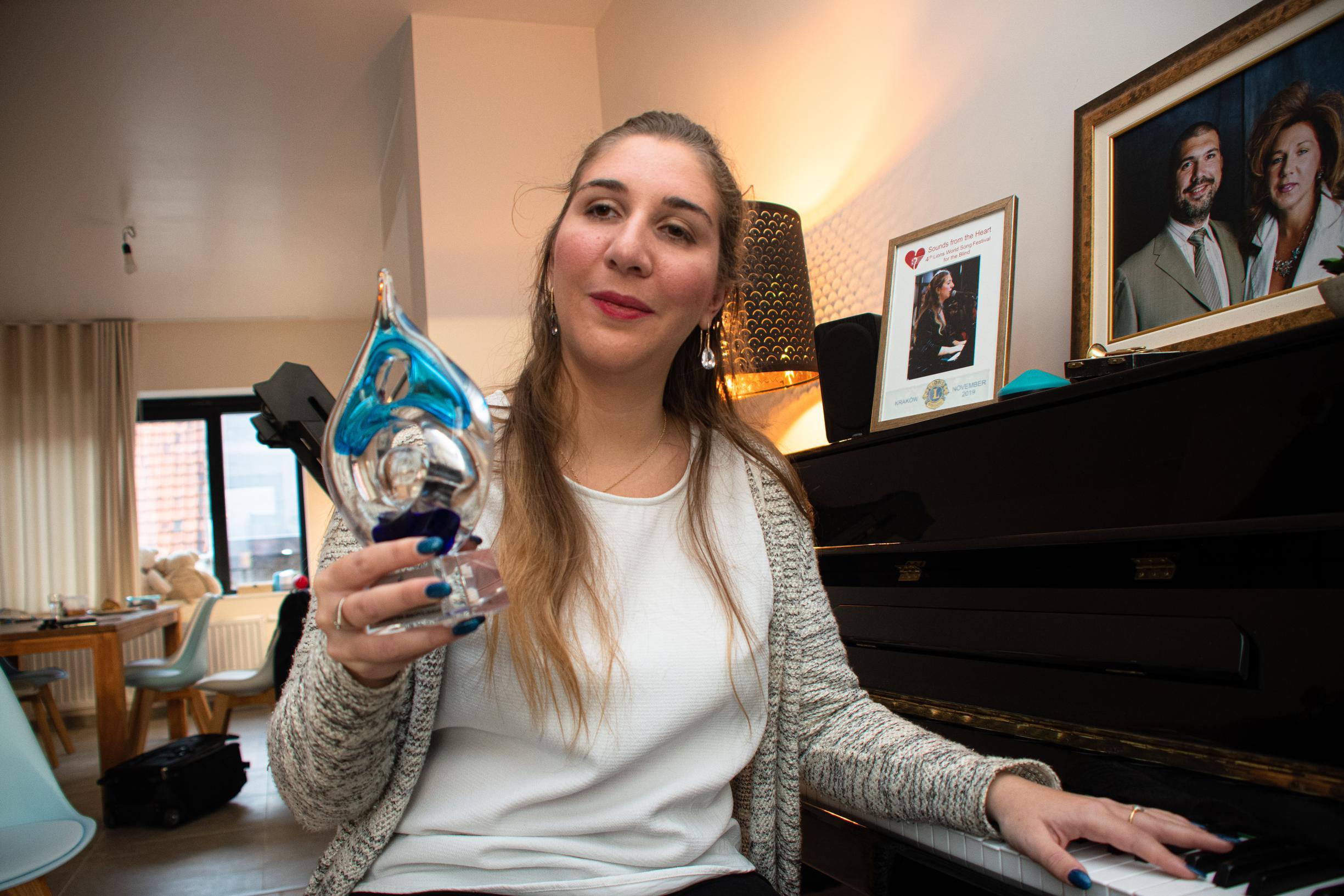 Daisy Opdebeeck (27) schittert straksin halve finale 'Belgium's Got Talent'