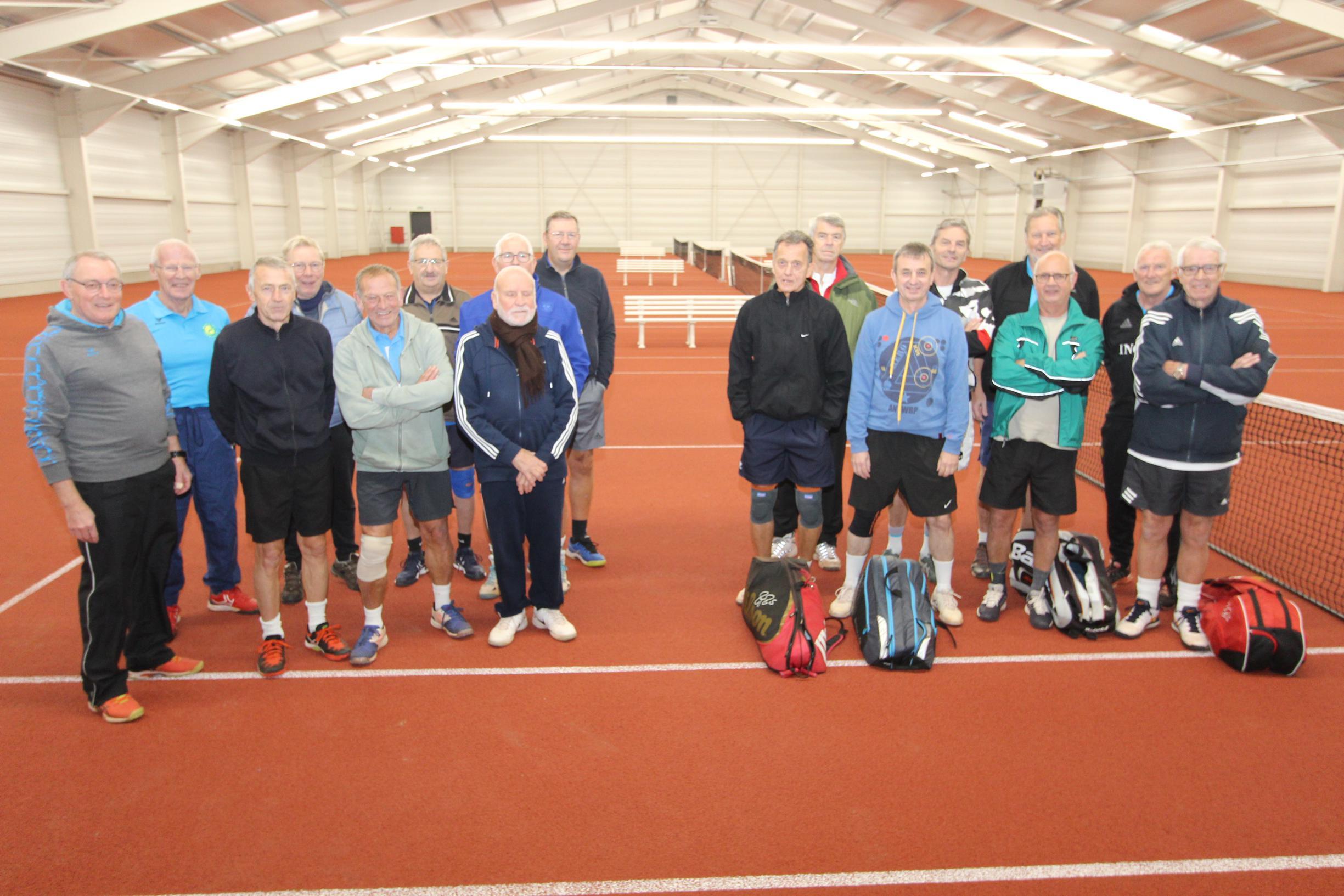 Club opent nieuwe tennishal