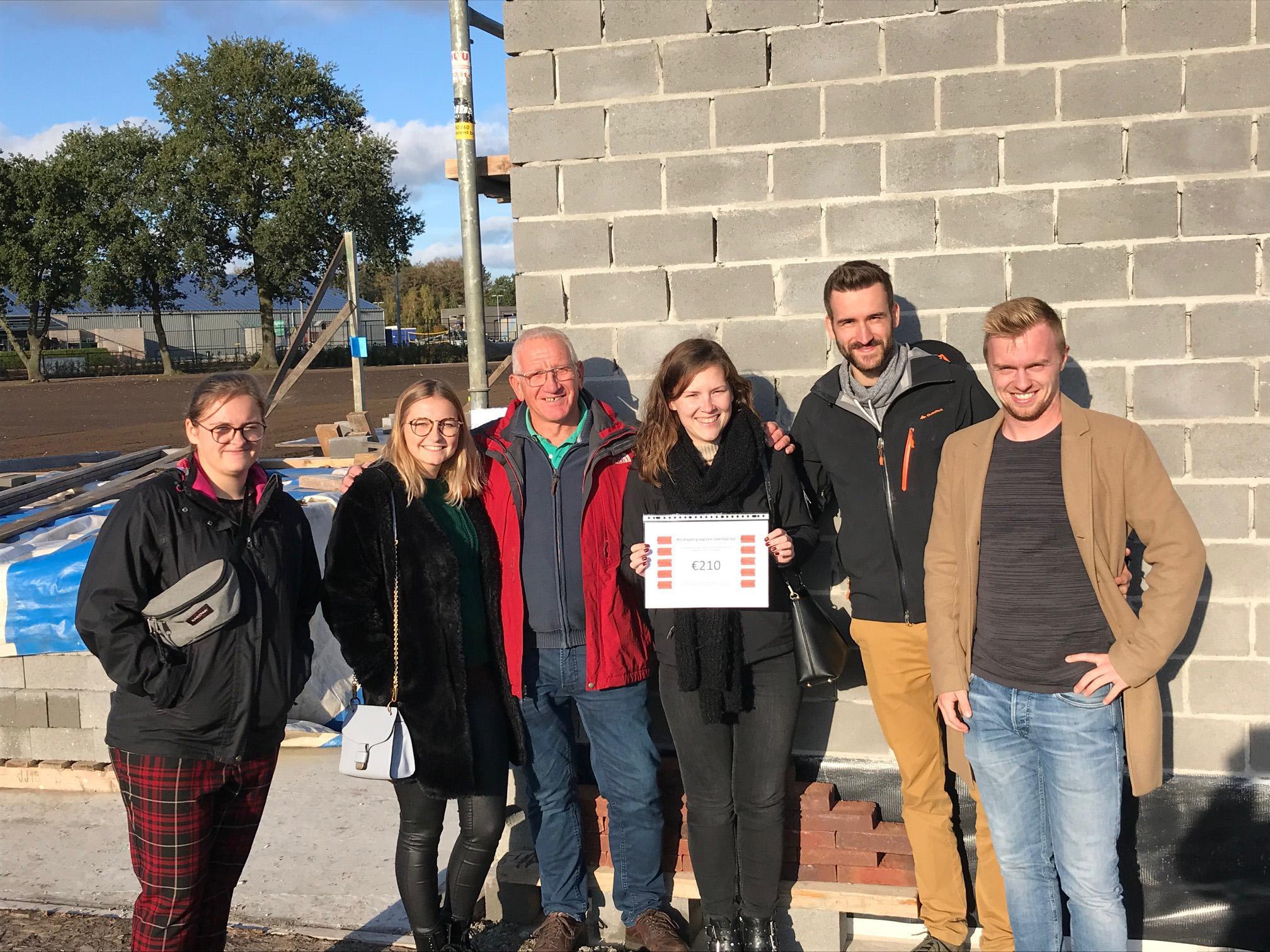 Korfbalclub bouwt lokaal met dank aan bakstenenverkoop