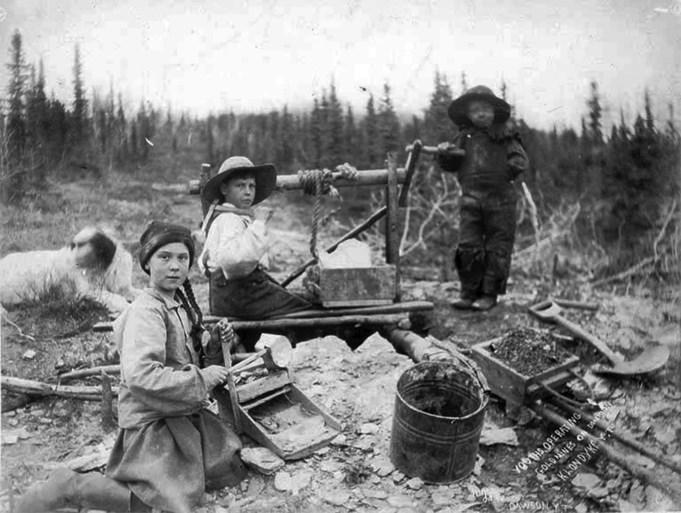 Niet enkel klimaatactiviste, maar ook tijdreiziger: Greta Thunberg te zien op foto uit 1898