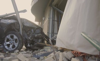 VIDEO. Enorme ravage nadat auto woning is binnengereden in Lanaken