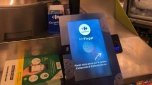 Betalen met je vingerafdruk? Privacycommissie maakt zich zorgen over nieuw plan Carrefour