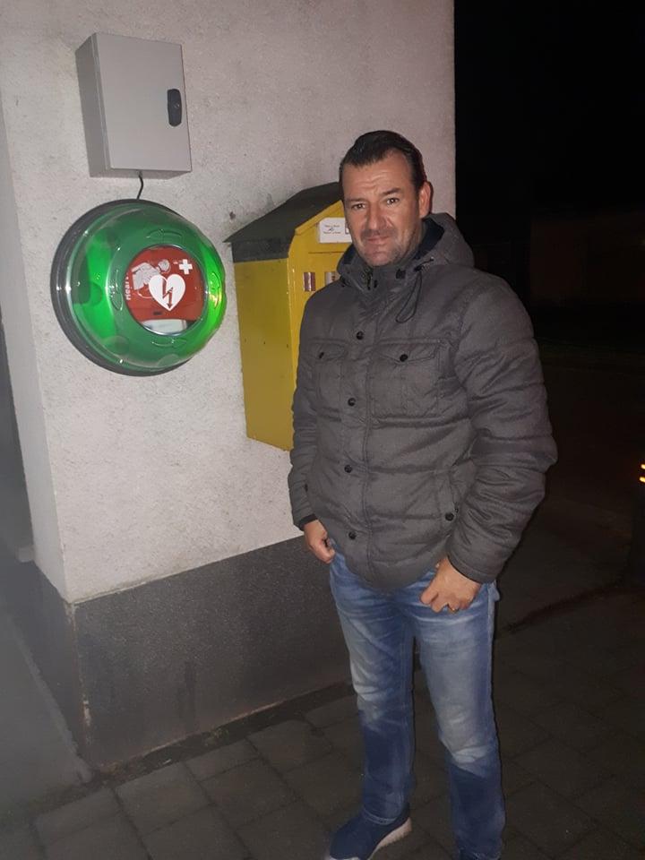 Jan De Beule vraagt aandacht voor AED-toestellen