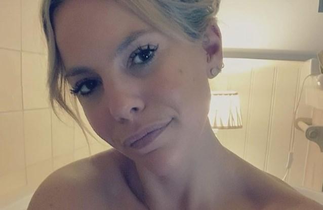 """Eline De Munck deelt kiekje in bad, maar volgers waarschuwen voor """"levensgevaarlijke situatie"""""""