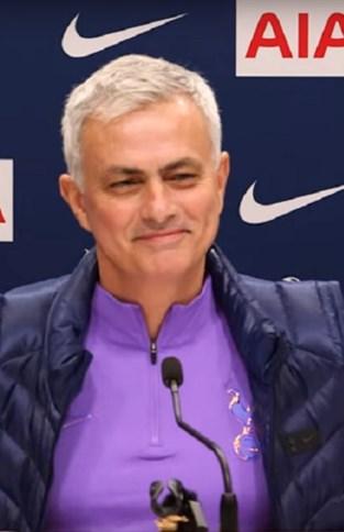 Onze man was op de presentatie van Mourinho: een dag vol verbazing, dure kussens en… bescheidenheid