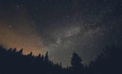 Vrijdagochtend honderden vallende sterren, maar daarvoor moet je vroeg opstaan