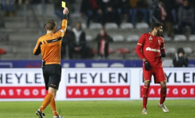 "Tv-kijker kan ref live horen overleggen met VAR tijdens Antwerp-Gent: ""<I>For me it's not red card, it's yellow card</I>"""