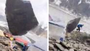 Vallend rotsblok scheert rakelings langs nietsvermoedende kampeerders