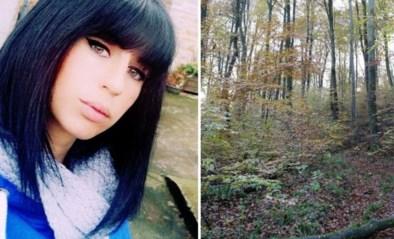 Lichaam van zwangere vrouw aangetroffen in bos: werd ze doodgebeten door groep jachthonden?