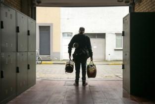 """Een op de vijf daklozen jonger dan 25: """"Geef hen voorrang op een sociale woning"""""""