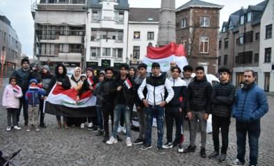 Steunbetoging voor en door Irakezen op Kalkmarkt