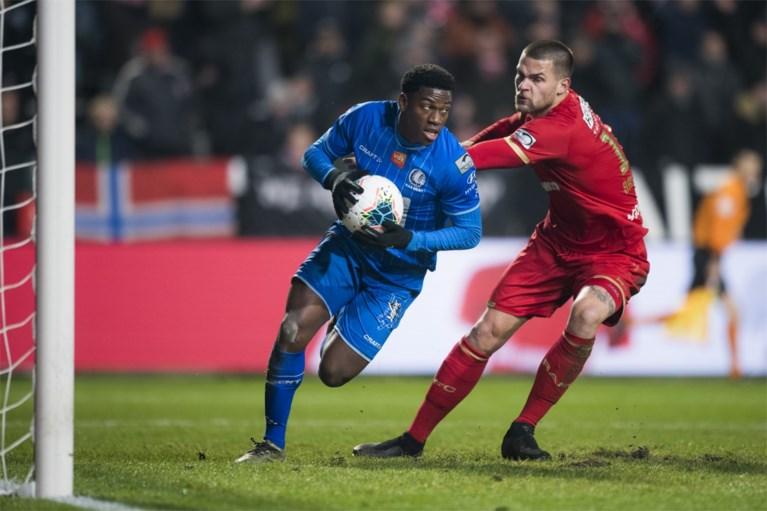 """Gent-coach Jess Thorup blikt vooruit en leert uit fouten na nederlaag tegen Antwerp: """"Zondag moeten we Mbokani lam leggen"""""""