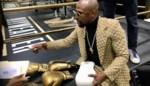 Eén miljard dollar verdiend, 42 jaar oud en toch... bokslegende hint naar comeback