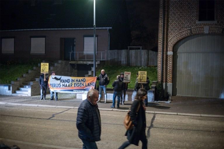 """Infoavond over asielcentrum in Bilzen verloopt sereen: """"Al hebben we natuurlijk niet iedereen kunnen overtuigen"""""""