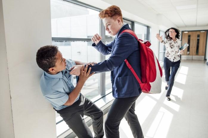 Onderzoek bevraagt jeugd om scholen te helpen bij antipestbeleid: zo pak je pesters aan volgens jongeren zelf