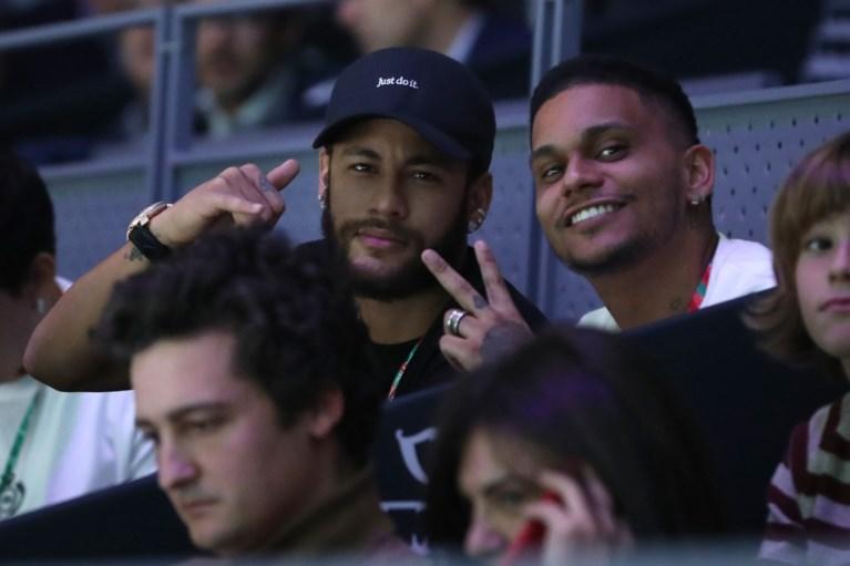 """Neymar heeft zijn comeback bij PSG nog niet gemaakt of hij ligt al onder vuur: """"Wat kan ik doen? Ik ben zijn vader of de politie niet"""""""