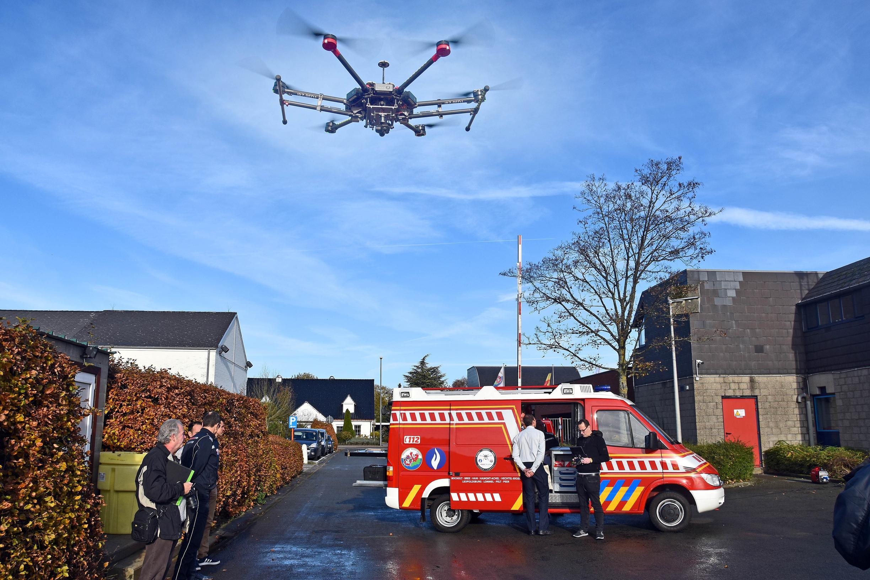 Brandweer bouwt 'dronemobiel'