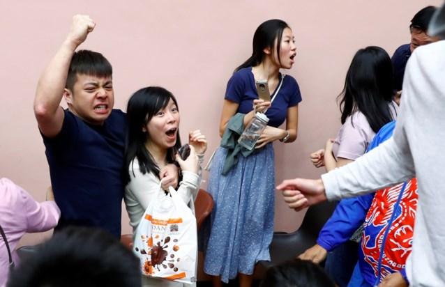 Monsterzege voor pro-democratische partijen bij verkiezingen in Hongkong