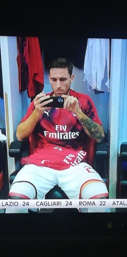 Lucas Biglia onder vuur bij Milan na foto in kleedkamer en slechte wedstrijd