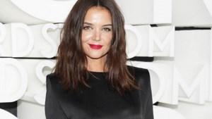 Katie Holmes toont eerlijk haar striemen bij fotoshoot voor 'Vogue'