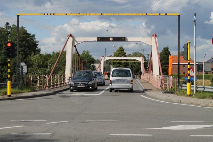 """Eindelijk vergunning voor nieuwe brug: """"Nu nog twee jaar ellende voor handelaars"""""""