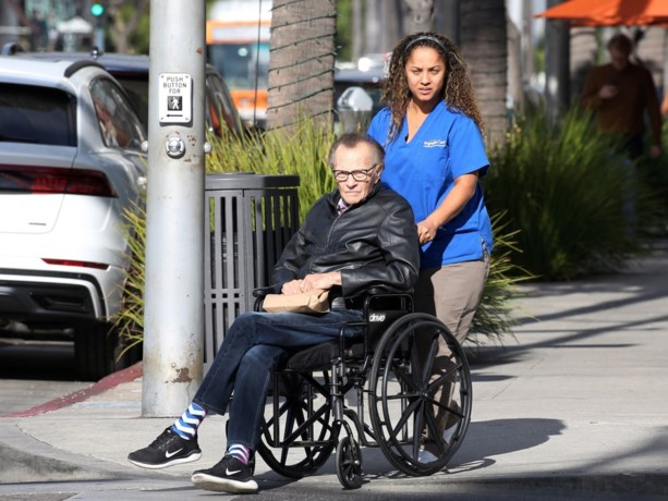 Beroemde talkshowhost Larry King lag wekenlang in coma na zware beroerte