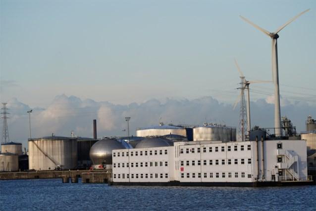 Extra politietoezicht aan asielboot in Gent, na aangestoken brand in Limburg