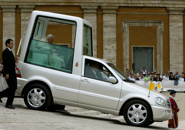 Nieuwe pausmobiel is budgetmodel
