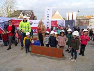 Kleuters leggen eerste steen voor grondige vernieuwing Kersentuin