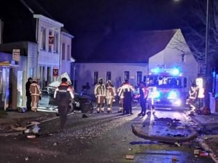 Jonge chauffeur mist bocht en overlijdt na zware crash