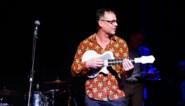 Benefiet Wim Claeys levert 1.386 euro, een nieuwe gitaar, en één zekerheid op: Wouter Deprez heeft het NIET gedaan