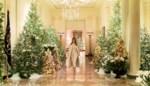 Melania Trump stelt kerstdecoratie voor, maar wat hangt daar in die kerstboom?