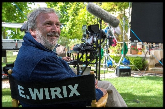 Filmmaker Eric Wirix krijgt Vic Feytons erediploma
