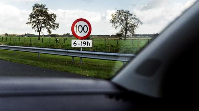 Vanaf maart maximaal 100 kilometer per uur op Nederlandse snelwegen