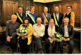FOTO. Stad zet gepensioneerden in de bloemetjes