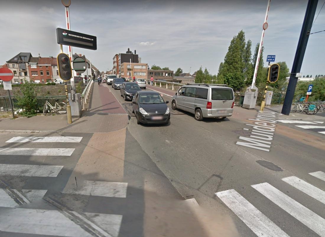 """'Tests' aan Muidebrug worden uitgesteld: """"Te veel overlast voor de wijk"""""""