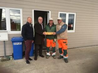 Sint-Pieters-Leeuw vergat afvalophaler en recyclageparkwachter niet