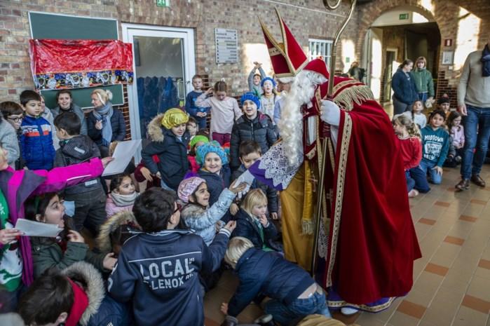 """Komst Sinterklaas in basisschool leert kinderen met vreemde afkomst traditie kennen: """"Veel kinderen vielen uit de boot"""""""