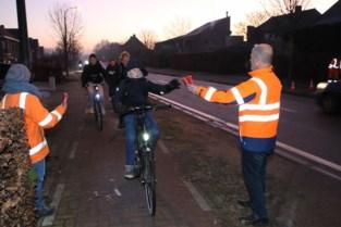 Opvallende boodschap wijst fietsers op belang van goede zichtbaarheid