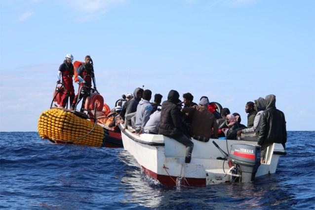 Italië laat twee reddingsschepen aanmeren