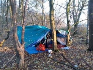 Nieuw tentenkamp van transmigranten ontdekt