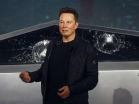 Koppel koopt wagen voor 100 euro, Elon Musk koopt hem over voor 1 miljoen