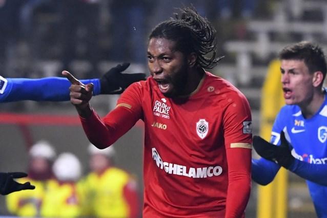 Mbokani maakt crisis bij Racing Genk nog groter: Antwerp wint na sensationeel slot en ijzingwekkende strafschoppenreeks