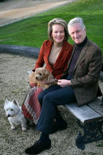 Filip en Mathilde vieren huwelijksjubileum met zijn tweeën (en hun honden)