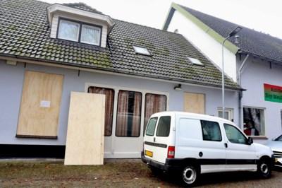 """Nederlandse familie wil niet geloven dat vijf neven groepsverkrachtingen pleegden in """"chillruimte"""": """"Hij hoeft maar met zijn vingers te knippen en kan tien vrouwen krijgen"""""""
