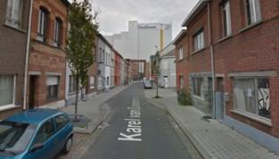 Man met nepgeweren lost schoten op straat