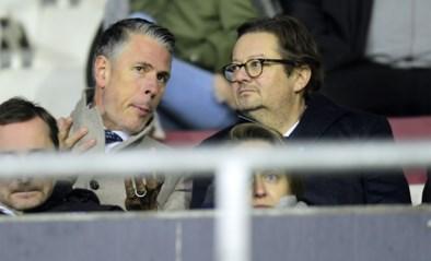 Marc Coucke neemt weer zijn vertrouwde plek in op de tribune tegen Moeskroen