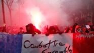 Honderdduizenden Fransen komen op straat tegen pensioenhervorming, rellen in Parijs